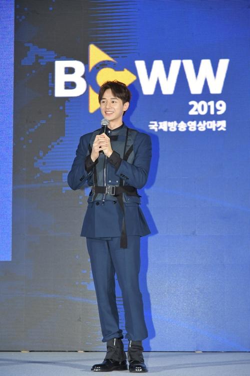 張軒睿訪韓出席國際影視展宣傳臺劇《用九》