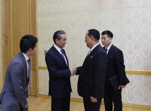朝鮮舉辦晚宴歡迎中國外長到訪