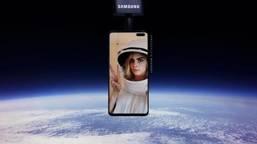三星手機花式行銷:將用戶自拍照送上太空