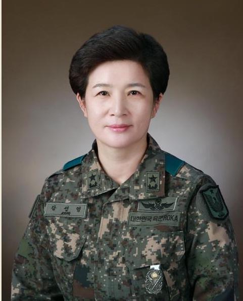 南韓陸軍航空作戰司令部首迎女掌門
