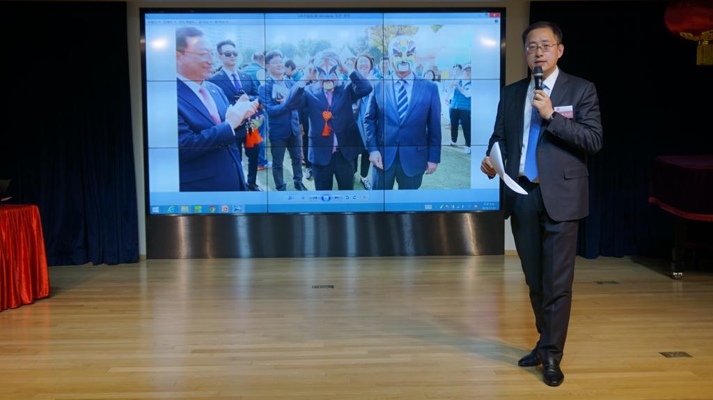 11月21日,在首爾中國文化中心,中心副主任李少鵬介紹今年的工作情況。 首爾中國文化中心供圖(圖片嚴禁轉載複製)