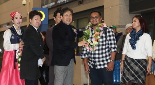 韓文體部慶祝今年外國遊客人次創新高