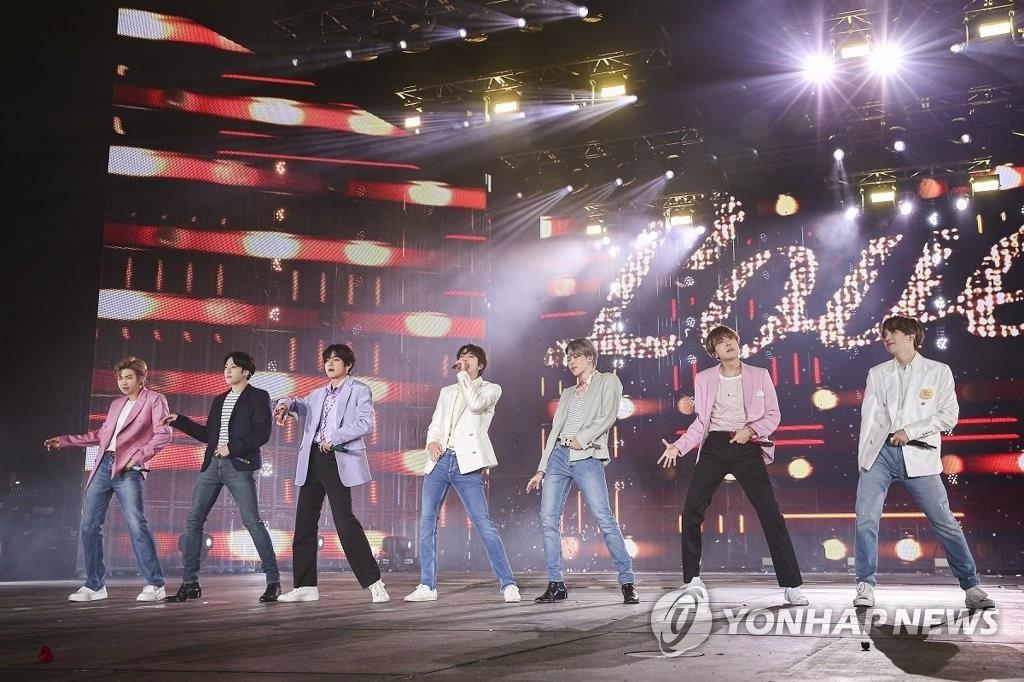 資料圖片:防彈少年團2019年10月的首爾演出 韓聯社/Big Hit娛樂供圖(圖片嚴禁轉載複製)
