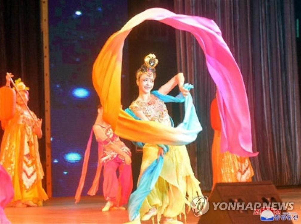 朝中友好迎春文藝演出在平壤舉行