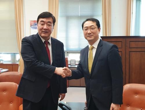 南韓外長助理金健會見中國大使邢海明