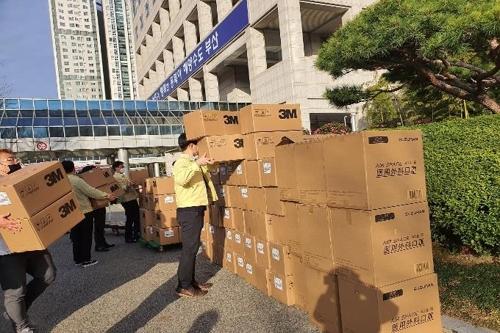 上海市政府向釜山捐贈7萬隻口罩