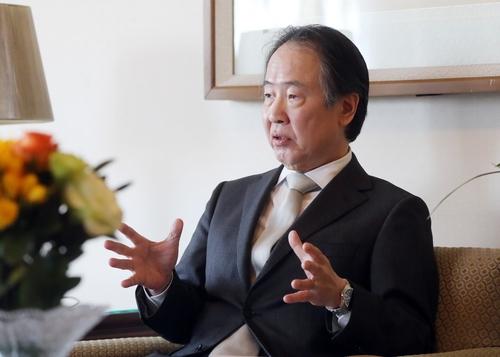 專訪日本駐韓大使:望韓日攜手克服新冠疫情