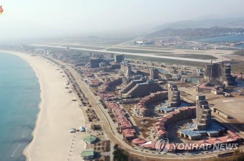 朝媒稱金正恩向元山葛麻旅遊區建設人員致謝