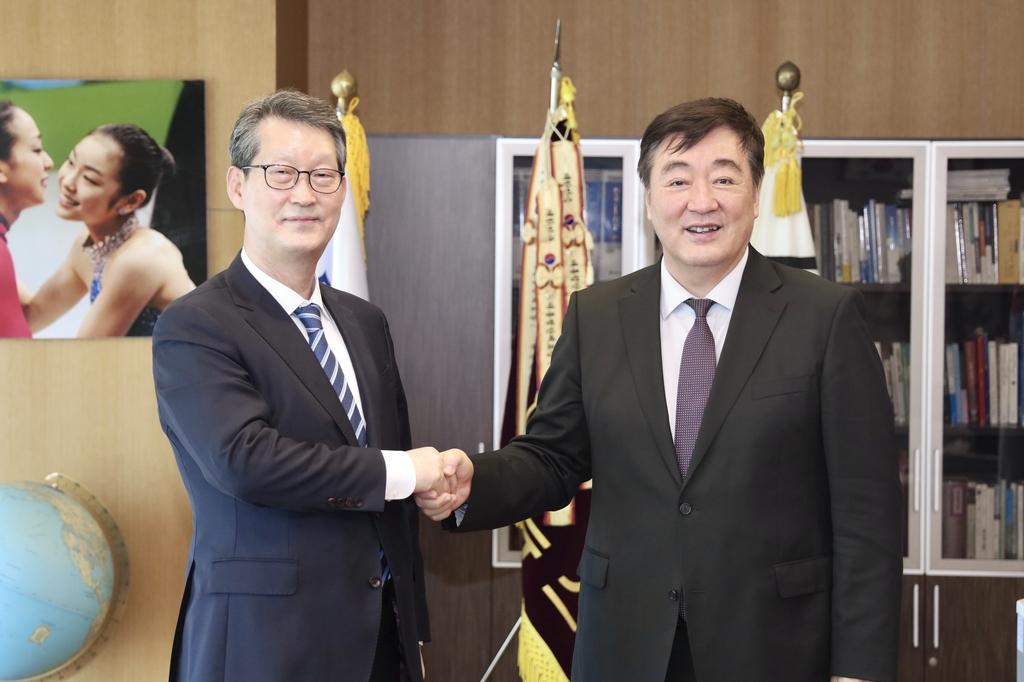 中國駐韓大使邢海明會見韓聯社社長趙成富