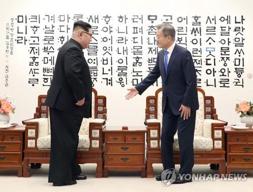 韓前幕僚長披露文金會和金特會花絮