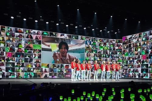 一週韓娛:NCT127線上演唱會盛況 韓偶像被曝夜遊梨泰院