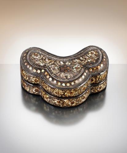 韓收回流日文物珍品高麗螺鈿漆器