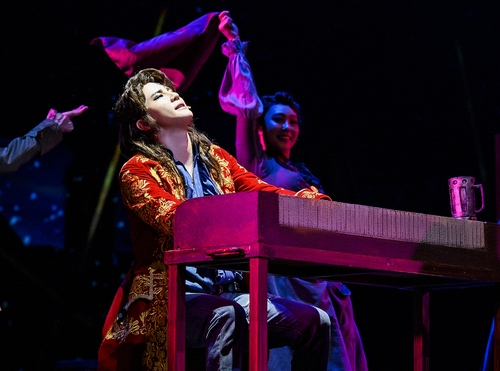 金俊秀回首音樂劇《莫扎特》十週年:不忘初衷繼續前行