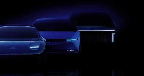 圖為將於明年面市的IONIQ三款不同車型,左起依次是IONIQ 6、IONIQ 7、IONIQ 5。 韓聯社/現代汽車供圖(圖片嚴禁轉載複製)