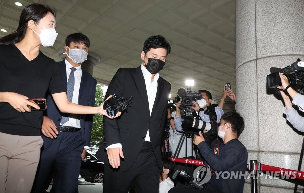 9月9日,在首爾西部地方法院,YG娛樂前代表梁鉉錫出庭受審。 韓聯社