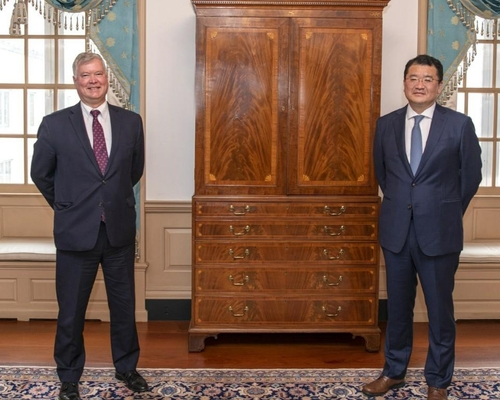 南韓副外長崔鐘建會晤美國副國務卿比根