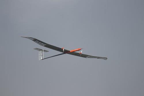 LG化學公司9月10日宣佈在南韓首次搭載新一代鋰硫電池的無人機實現最高高度飛行。 LG化學供圖(圖片嚴禁轉載複製)