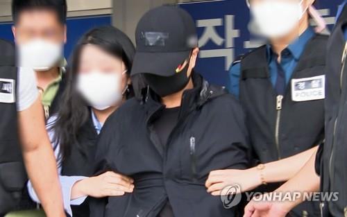 韓一女子開車碾壓便利店被批捕