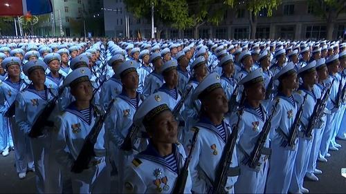朝鮮央視錄播建黨75週年閱兵式 金正恩出席