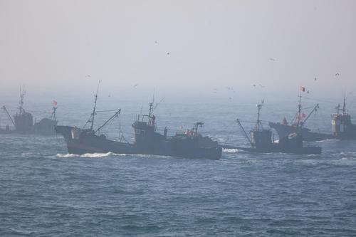 韓海警將加大西部海域非法捕撈漁船打擊力度