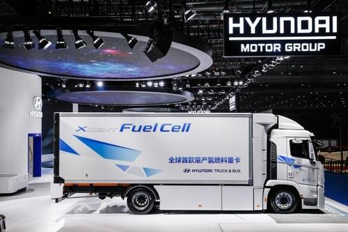 現代起亞汽車旗下氫燃料電池重卡XCIENT首次亮相中國國際進口博覽會。 現代汽車集團供圖(圖片嚴禁轉載複製)