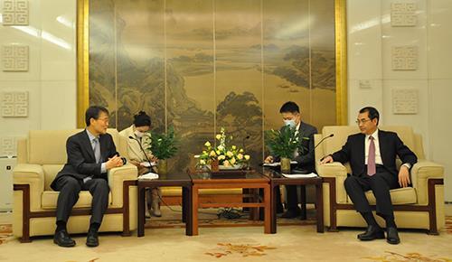 南韓駐華大使張夏成會見中國外長助理吳江浩