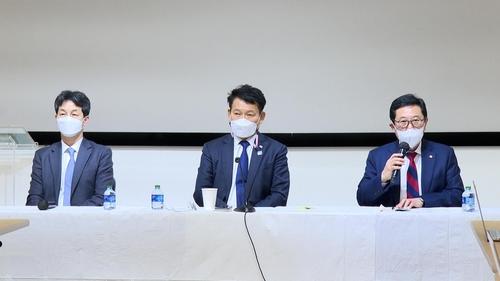 韓執政黨議員團介紹訪美結果