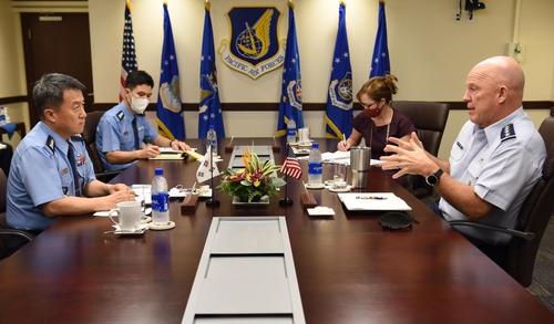 韓向美提議構建太空軍例行對話機制