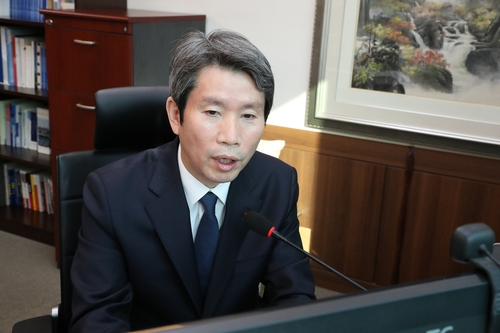 韓統一部長官:望朝鮮釋放對話合作的信號