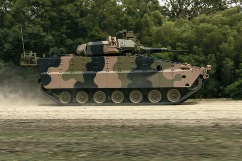 """這是韓華Defense的未來型裝甲車""""紅背蜘蛛""""試製品。 韓聯社/韓華Defense供圖(圖片嚴禁轉載複製)"""