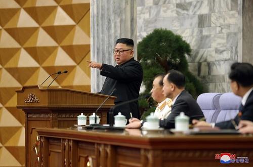 據朝中社2月12日報道,朝鮮勞動黨第八屆中央委員會第二次全體會議于8—11日舉行。 韓聯社/朝中社(圖片僅限南韓國內使用,嚴禁轉載複製)