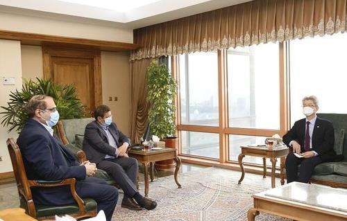 南韓與伊朗就70億美元解凍方案達成協定