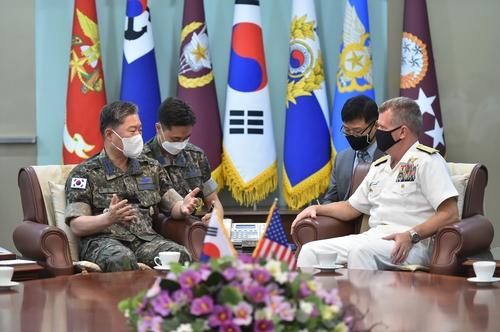 韓聯參議長元仁哲會見美太平洋艦隊司令帕帕羅
