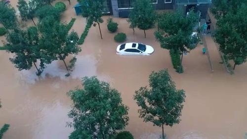 中國河南省新鄉市一公寓被水淹 宣玉京供圖