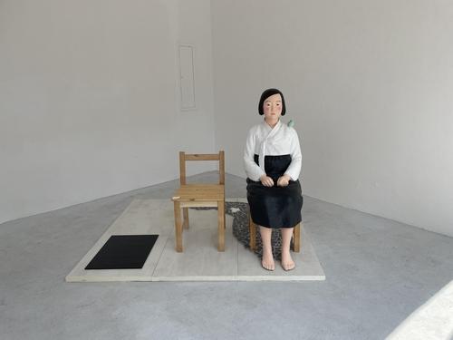 和平少女像在德國慕尼黑展出