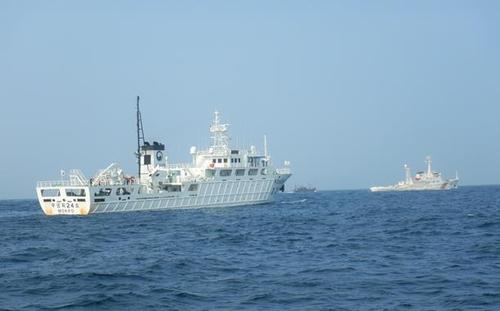 """南韓漁政船向中國海警移交""""遼丹漁26013""""號漁船。 海洋水產部供圖(圖片嚴禁轉載複製)"""
