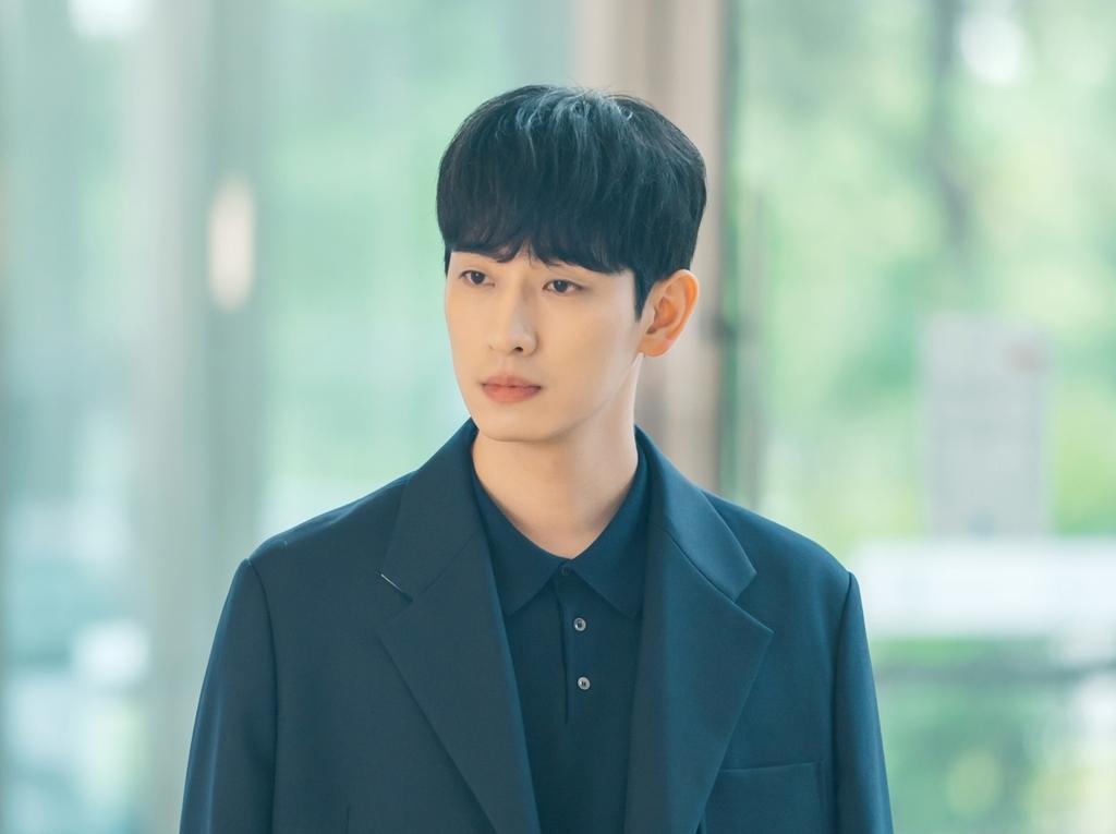 《你是我的春天》尹博:一人飾兩角激發挑戰欲