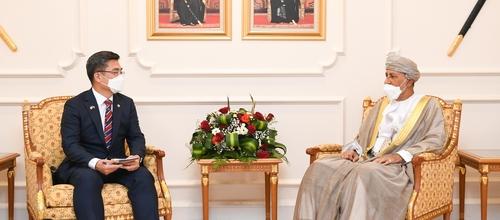 韓防長徐旭在馬斯喀特會晤阿曼副首相謝哈卜