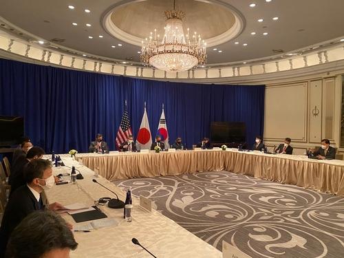 韓美日外長在紐約會晤討論半島問題