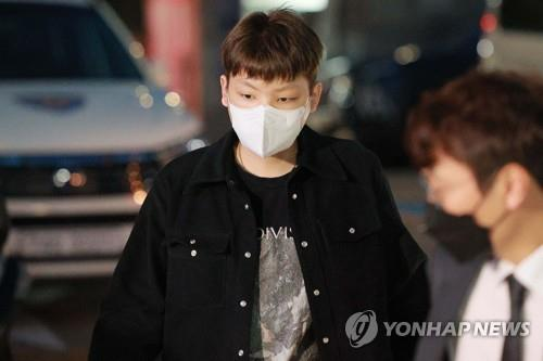 韓法院對拒酒測歌手張龍俊簽發逮捕證