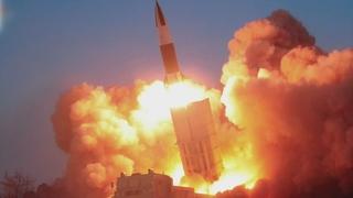朝鮮發射2枚疑似近程彈道導彈的飛行器