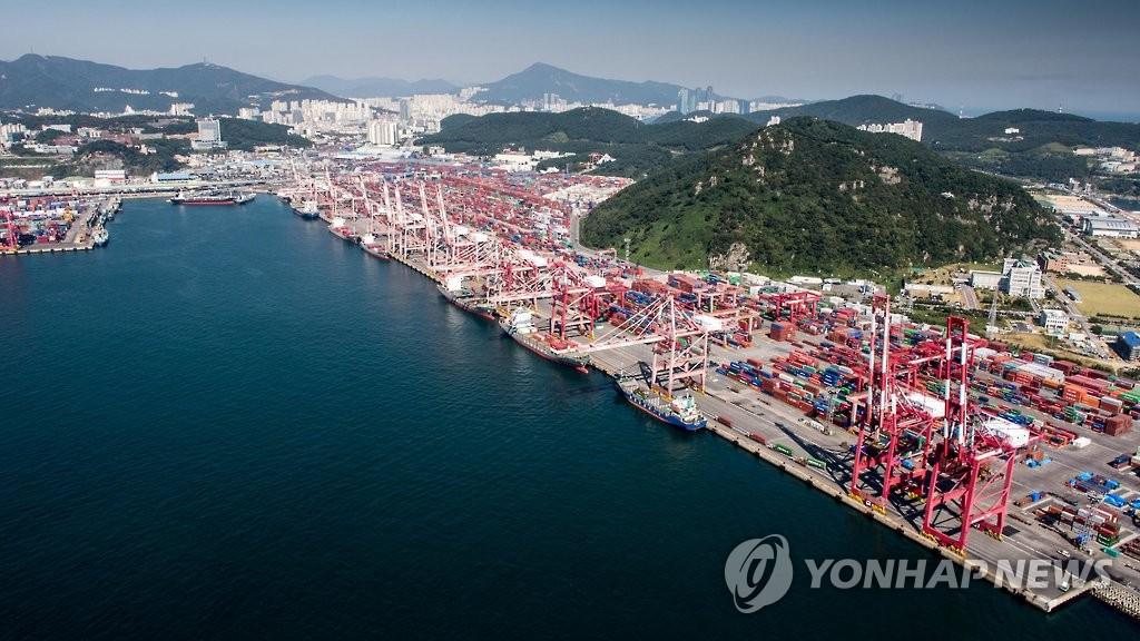 釜山港吞吐量大減 對華貨物轉運積壓