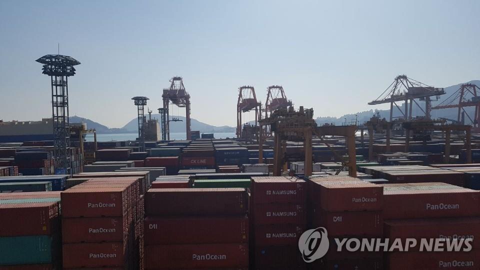 韓2月前10天出口同比增69.4% 日均減3.2%