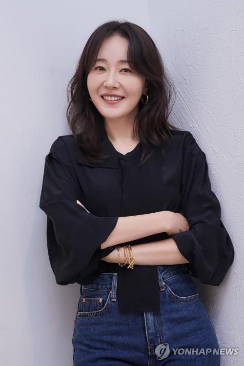 演員嚴智苑結束7年婚姻