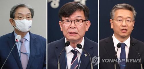 韓青瓦臺3名幕僚請辭
