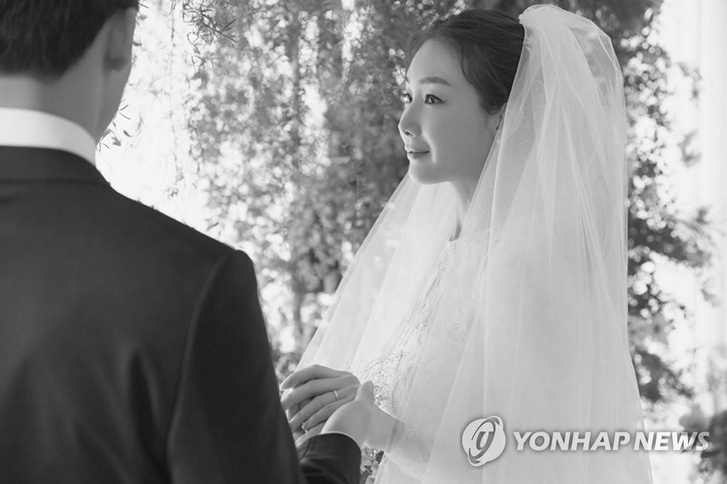 年齡不是問題 韓星姐弟戀漸流行