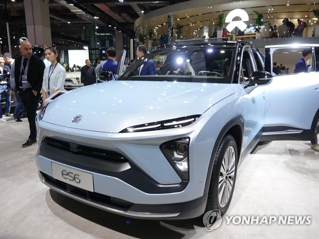 資料圖片:4月16日,蔚來ES6車型在2019上海車展上亮相。 韓聯社