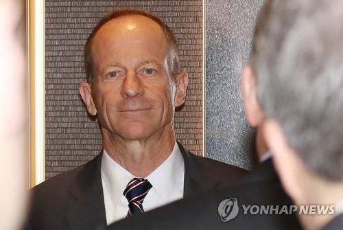 韓青瓦臺高官會見美國務院助卿