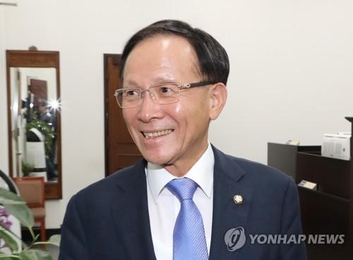 南韓新任駐美大使李秀赫抵美履新