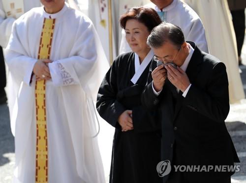 詳訊:文在寅在母親葬禮結束後返回首爾